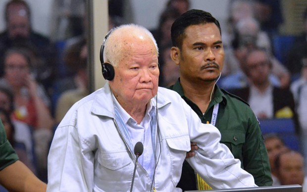 Two former Khmer Rouge leaders convicted for genocide hinh anh 1