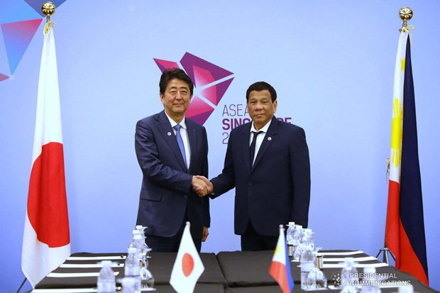 Philippines, Japan vow to maintain freedom of navigation in East Sea hinh anh 1
