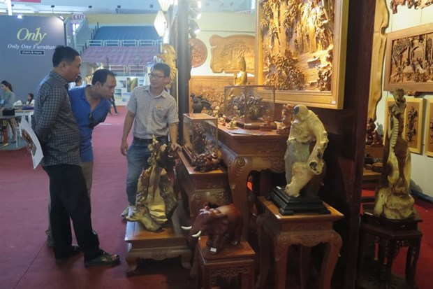 Interior decoration fair opens in HCM City hinh anh 1