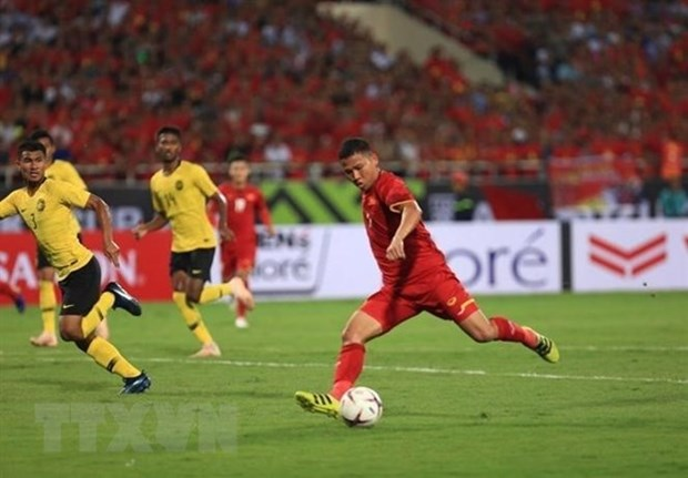 International media praises Vietnam's crushing victory over Malaysia hinh anh 1