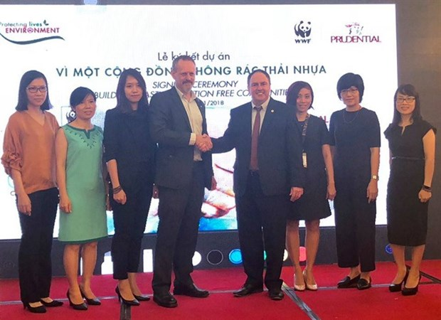 Prudential Vietnam funds WFF plastic awareness project hinh anh 1