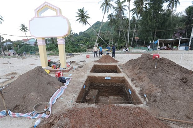 Ancient tombs and jewelries found on Ly Son Island hinh anh 1
