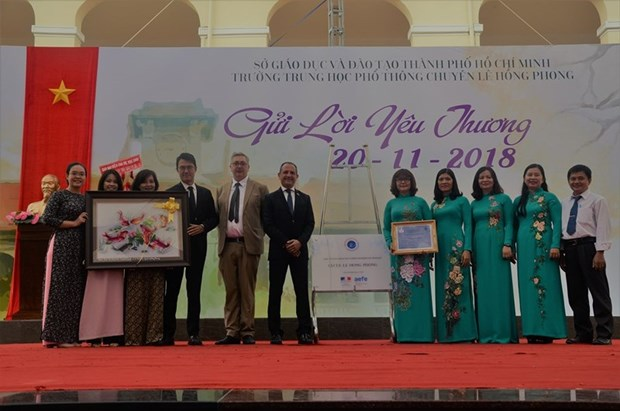 LabelFranceEducation awarded to two Vietnamese schools hinh anh 1