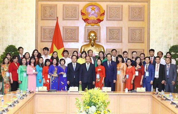Prime Minister meets standout teachers hinh anh 1