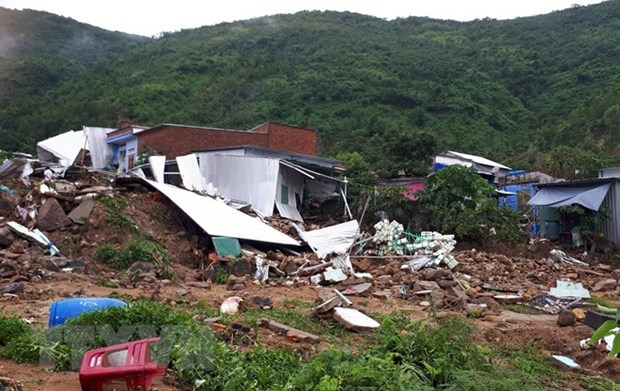 Vietnam Red Cross Society offers urgent aid to disaster-hit locals in Khanh Hoa hinh anh 1