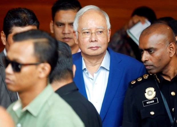 Former Malaysian PM questioned over French submarine deal hinh anh 1
