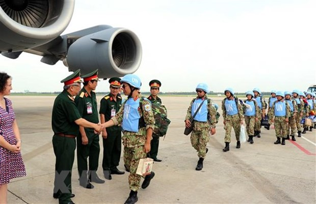 Two more officers assigned for peacekeeping mission in South Sudan hinh anh 1
