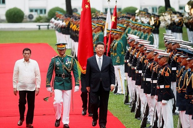 China, Philippines agree to upgrade relations hinh anh 1