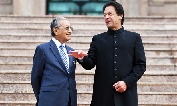 Malaysian, Pakistani PMs hold talks to boost bilateral ties hinh anh 1
