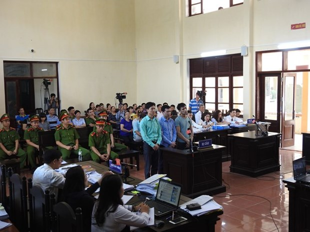 Hoa Binh: One more prosecuted for involvement in medical incident hinh anh 1