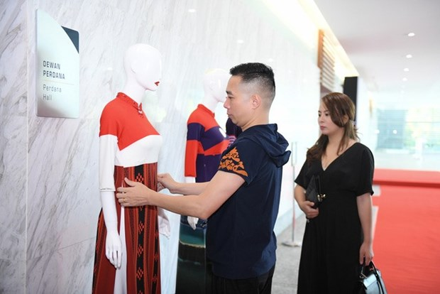Vietnamese designer opens show in Malaysia hinh anh 1