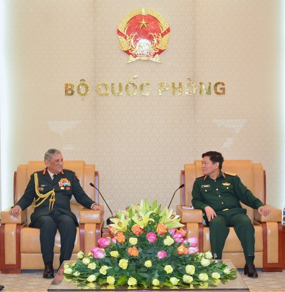 Defence Minister receives Chief of Army Staff of India hinh anh 1