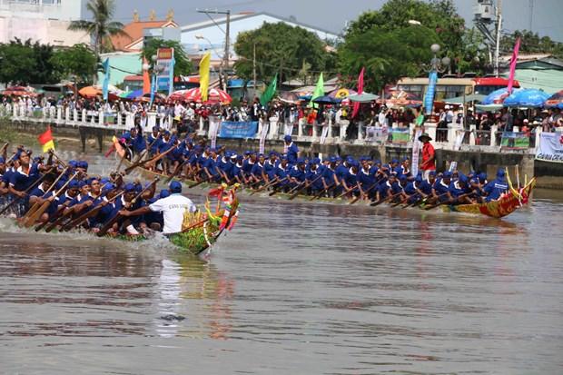 Khmer people in Tra Vinh celebrate Ok Om Bok Festival hinh anh 1