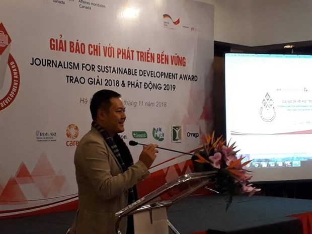 Journalism for sustainable development prizes awarded hinh anh 1
