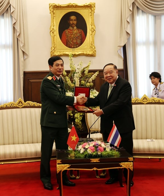 Defence cooperation – a pillar of Vietnam-Thailand ties: officer hinh anh 1