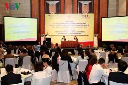 Conference looks to improve Vietnam's labour market hinh anh 1