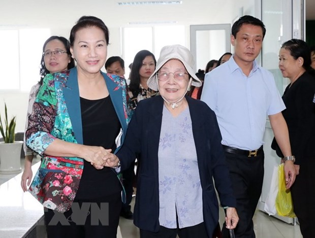 Top legislator affirms Party, State's strict stance on corruption hinh anh 1