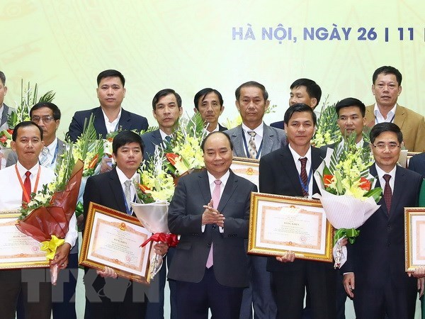 Outstanding individuals, organisations in farming honoured hinh anh 1