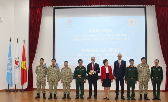 Training course held for staff of level-2 field hospital hinh anh 1