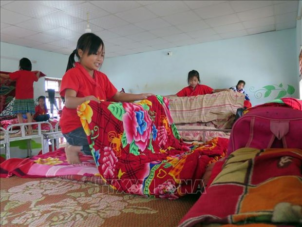 Day boarding keeps ethnic minority students in class hinh anh 1