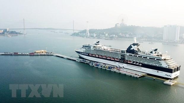 Quang Ninh: Hon Gai port receives first int'l cruise hinh anh 1