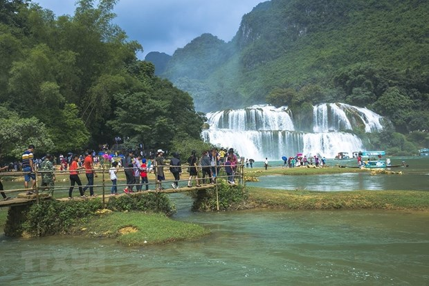 Cao Bang province works to develop three economic pillars hinh anh 1