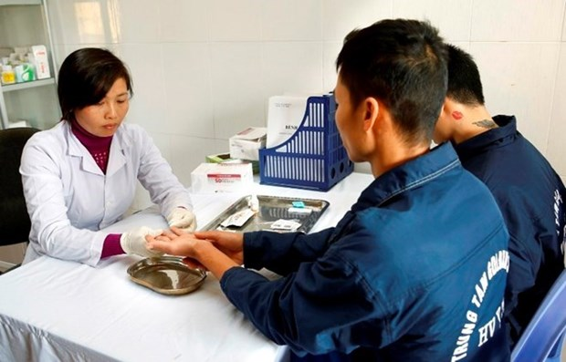 Campaign encourages HIV patients to use antiretroviral therapy hinh anh 1