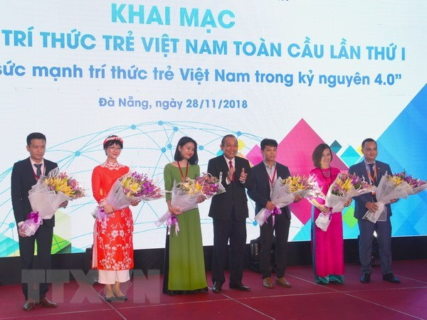 Forum gathers young Vietnamese intellectuals worldwide hinh anh 1