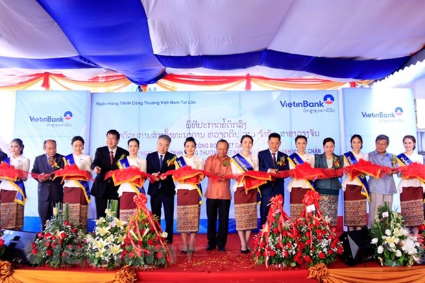 VientinBank Laos launches branch in Vientiane hinh anh 1