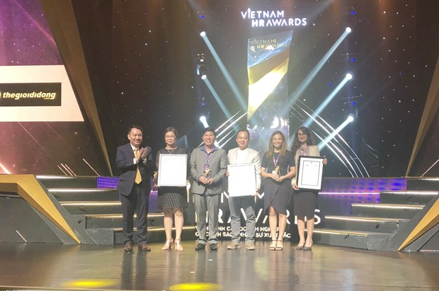 Awards honour firms with excellent HR strategies hinh anh 1