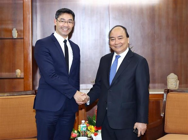 PM receives former German Vice Chancellor hinh anh 1