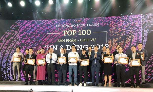 Top 100 products, services chosen by consumers awarded hinh anh 1