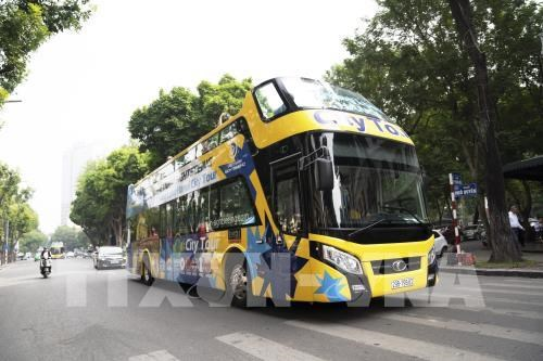 New Hop-On Hop-Off tour opens in Hanoi hinh anh 1