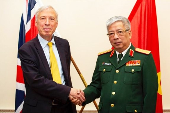 Vietnam, UK hold first defence policy dialogue hinh anh 1
