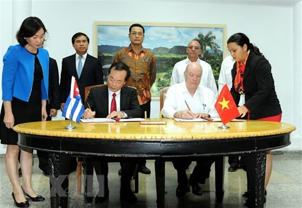 Vietnam-Cuba Inter-Governmental Committee concludes 36th meeting hinh anh 1