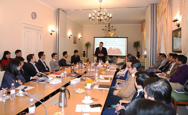 Vietnamese intellectuals in Germany urged to further help homeland hinh anh 1