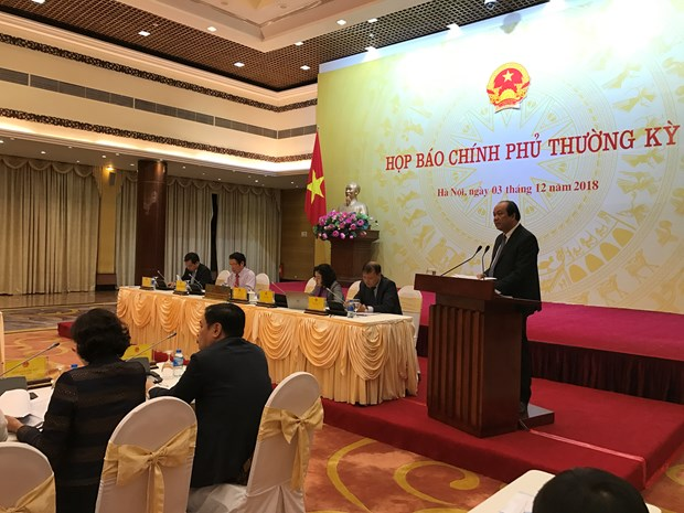 Hot issues cleared up at Government's regular press conference hinh anh 1