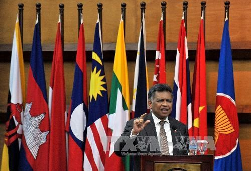 ASEAN pays tribute to late Secretary-General Surin Pitsuwan hinh anh 1