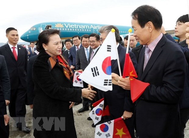 NA Chairwoman begins official visit to RoK hinh anh 1