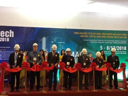 Contech Vietnam 2018 gathers top construction brands hinh anh 1