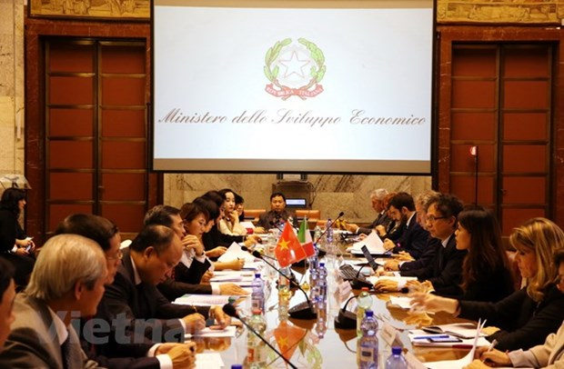 Vietnam, Italy seek effective economic cooperation hinh anh 1