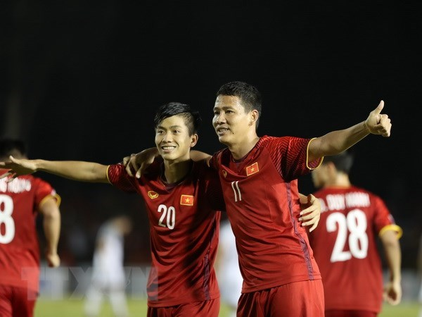 Thai club wants to sign Vietnamese players hinh anh 1