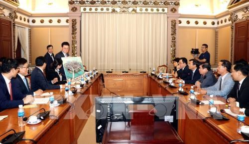 HCM City, RoK's Lotte Group continue infrastructure development hinh anh 1