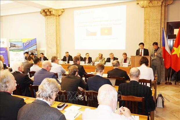 Ambassador calls for Czech parliamentarians' support for EVFTA hinh anh 1