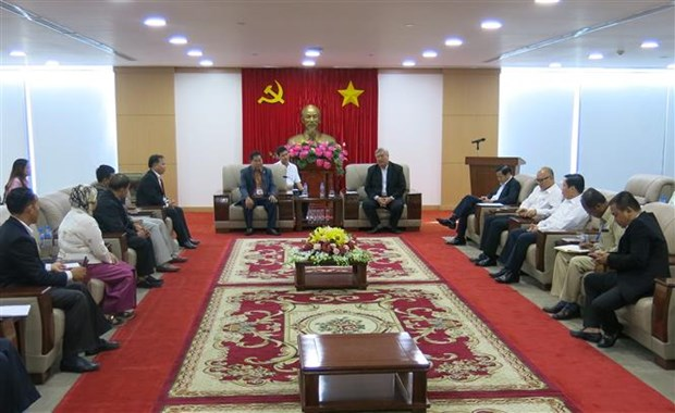 Delegation of Cambodian Ministry of Cults and Religion visits Binh Duong hinh anh 1