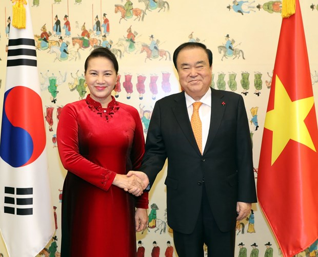 Vietnam's National Assembly keen to develop relations with RoK: top legislator hinh anh 1