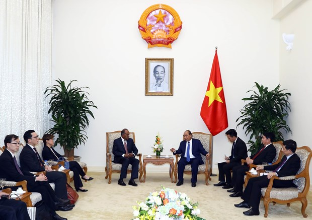 PM hosts Singapore's Minister for Home Affairs hinh anh 1