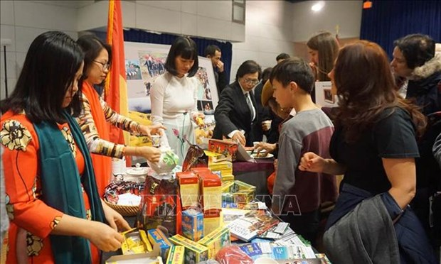 Embassy promotes Vietnamese culture in US fair hinh anh 1