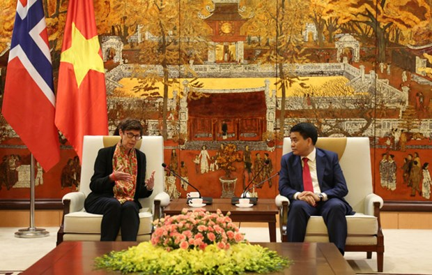 Norway willing to share experience in clean energy development with Hanoi hinh anh 1