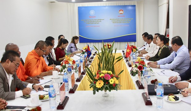 Fronts to work closer towards peaceful Vietnam-Cambodia border hinh anh 1
